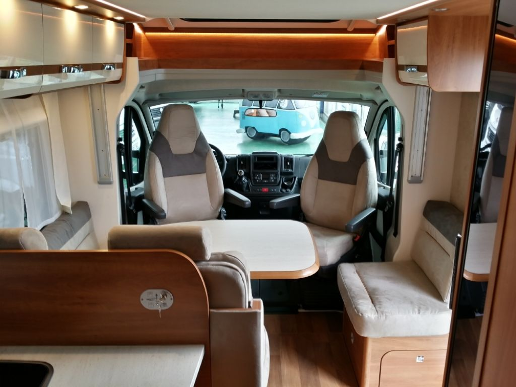 Autocaravana Perfilada DETHLEFFS T 7057 EB modelo 2017 de ...