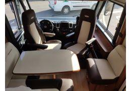 Autocaravana Integral LMC ExpIorer Comfort I 695 en Alquiler